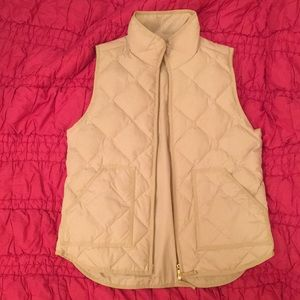 J.Crew Mercantile quilted puffer vest (off-white)